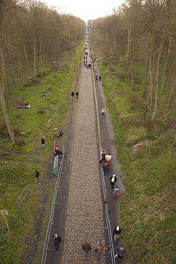 250px-Trouee_dArenberg_-_Paris-Roubaix_2008